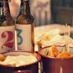 Ración de patatas y cervezas