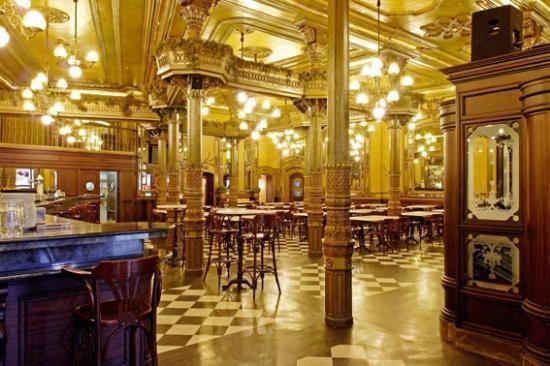 Café Iruña guía gastronómica de Pamplona