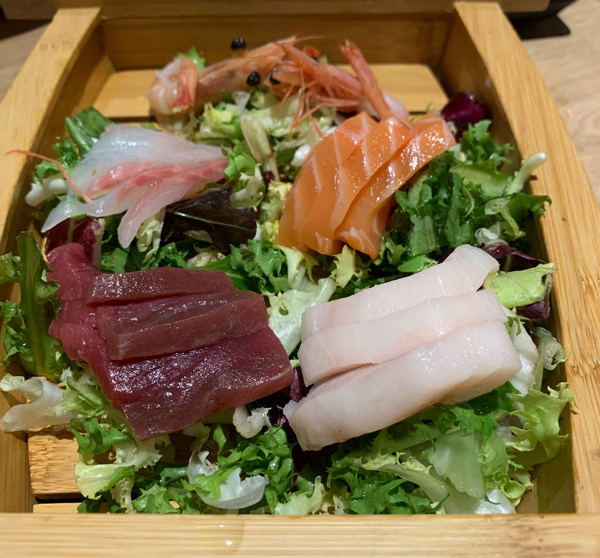 Sushi moriawase mediano Restaurante Pattaya