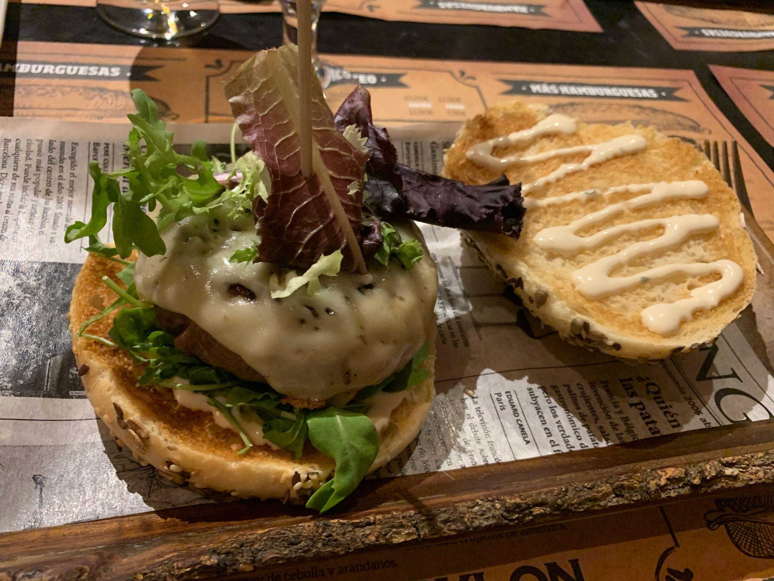 Cervecería Babylon: hamburguesa de wagyu rellena